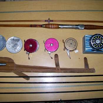STEEL BRISTOL FLY ROD WITH LEATHER CASE AND PAPER