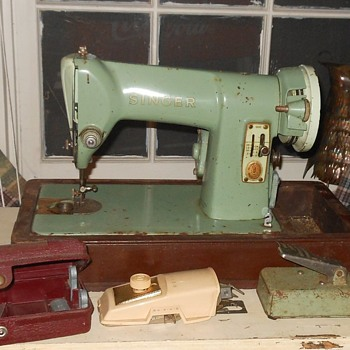 Singer 185K Green Sewing Machine - Sewing