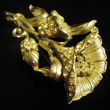 Large brooch - Costume Jewelry