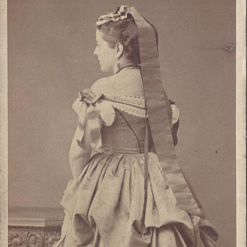 """Miss Oliso"" Unusual Turned Back View CDV by Elliott & Fry of London"