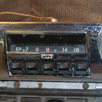 1959 Chevy Radio - Electronics