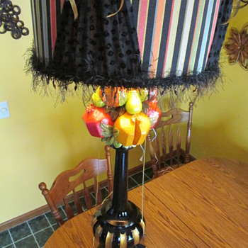 Vintage Italian Gynormous lamp??