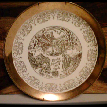 22k Gold: Crest-O-Gold Plate - China and Dinnerware
