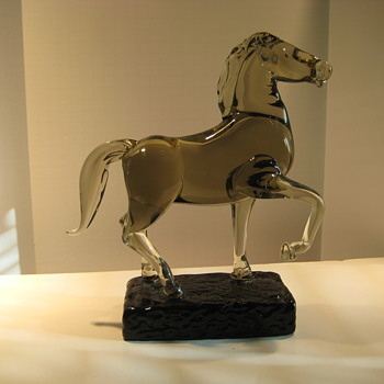 Glass horse by Ermanno Nason