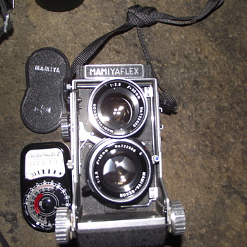 CAMERA COLLECTION-MAMIYAFLEX C2-OLYMPUS TRIP-AGFAMATIC-ETC. - Cameras