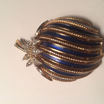 Can  anyone tell me what this pin was named?  - Costume Jewelry