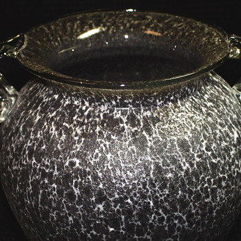 Mystery Vase ??XX Century - Art Glass