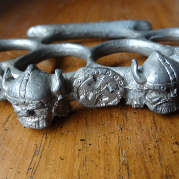 WWII Nazi Brass Knuckles - Military and Wartime
