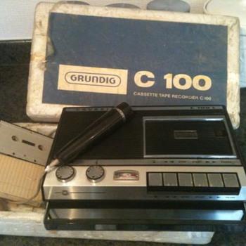 1967-grundig c100l cassette recorder