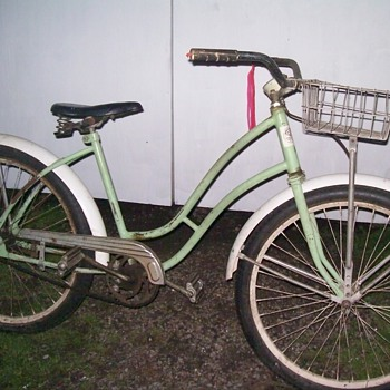 Early girls Bicycle. - Outdoor Sports