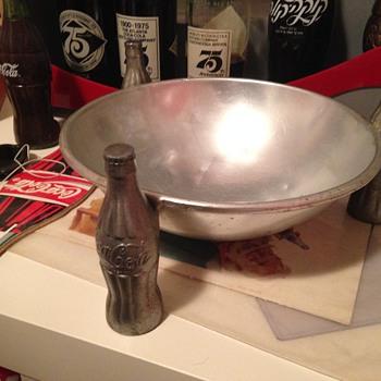 1930's Coca-Cola Pretzel Bowl