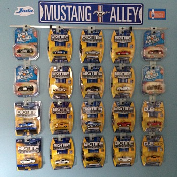 Mustangs in Clamshell/Blister Packs - Model Cars