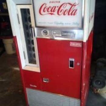 Vendo Coke Machine - Info please