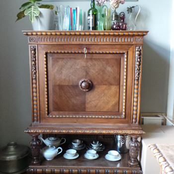 Antique bar - Furniture