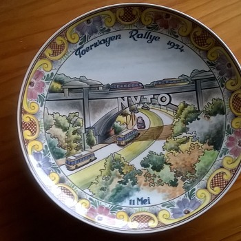 Hand Painted  Polychrome NVTO Toerwagen Rallye 1954 Netherlands Award 4th Prize - Pottery