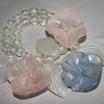 Beautiful Glass Necklace - Costume Jewelry