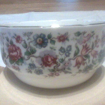 Staffordshire Fine Bone China - China and Dinnerware