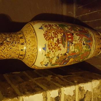 Big floor vase - Asian
