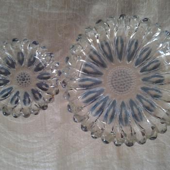 glass ashtray set - Tobacciana
