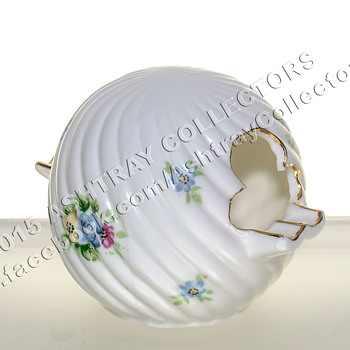 Hand Painted China Sphere/Ball Ashtray