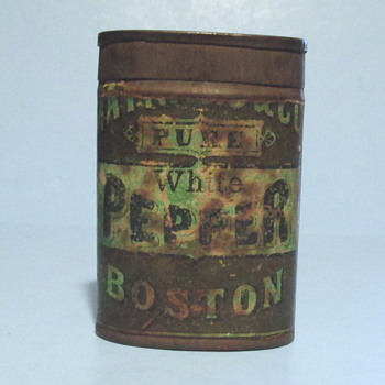 "Unknown Pure White Pepper Tin ""MA- - - - - & Cos."""