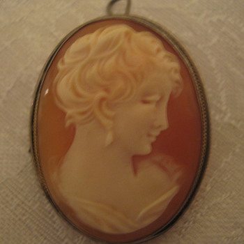 Old Cameo Brooch/Pin/Pendant