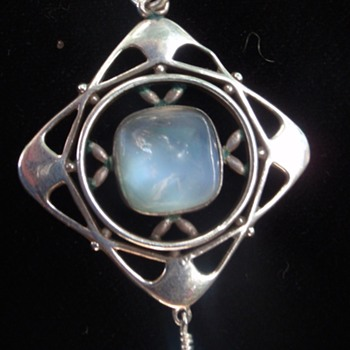 Arts & Crafts moonstone pendant possibly by Liberty - Arts and Crafts