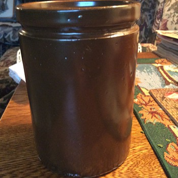 Small brown crock - Kitchen