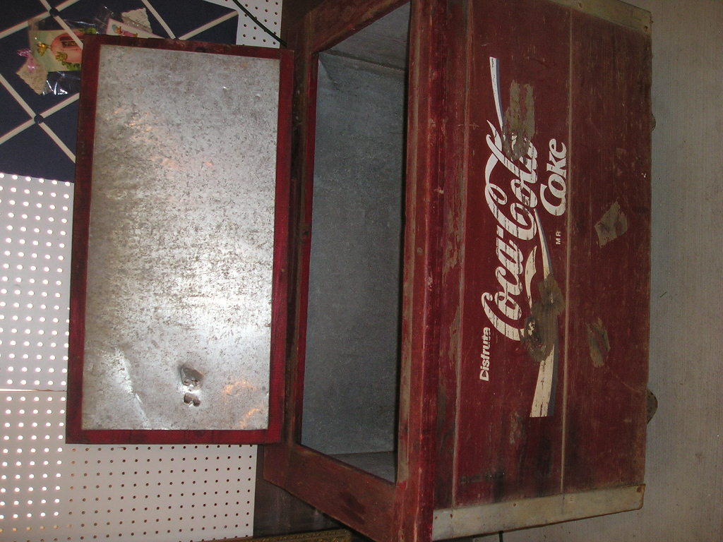 coca cola coke chest wooden collectors weekly. Black Bedroom Furniture Sets. Home Design Ideas