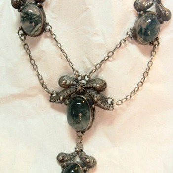 Antique Moss Agate Festoon Necklace
