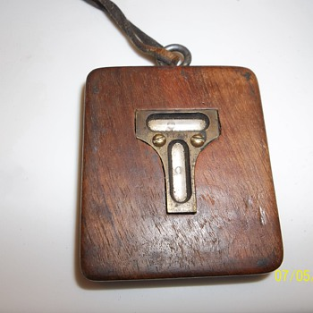 Antique TT & H wooden pocket level
