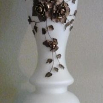 Fenton?  Help me what is it...can not find anything on this style - Lamps