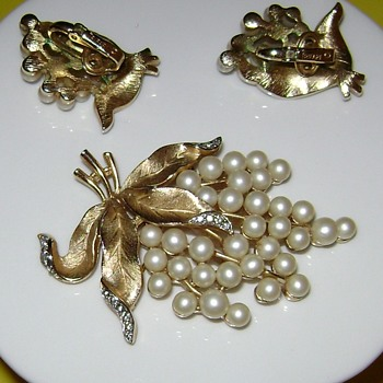Crown Trifari Brooch and Earrings - Gem of the Sea - Costume Jewelry