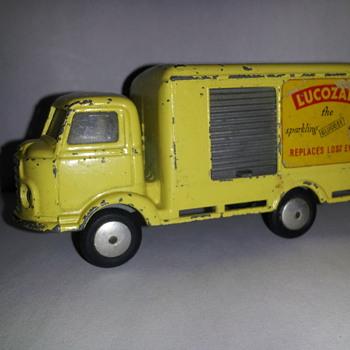 Corgi Toys 411 Karrier Bantam Lucozade Van