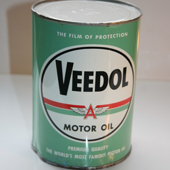 veedol oil can - Petroliana