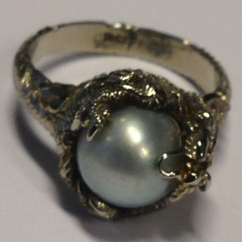 White Gold and Pearl Dragon ring Circa 1940 - Fine Jewelry