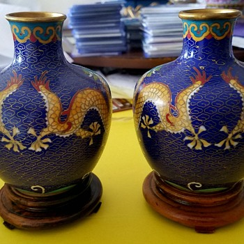 2 Small Asian Vases with cool dragons - Asian