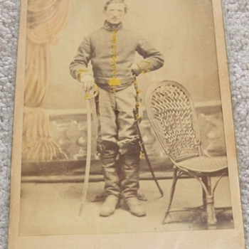 Civil War cavalry soldier cabinet card - Photographs