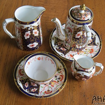 c 1906 Royal Crown Derby Porcelain