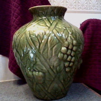 Olive Green/Gold Blended Glaze Majolica Style Vase /Blue dash mark/ Victorian/McCoy/Weller ?? - Pottery