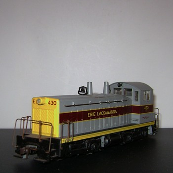 H.O. Scale Switcher Engine - Model Trains