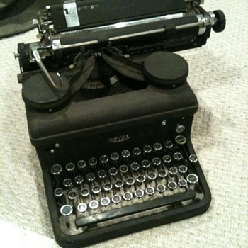 "1937 Royal 10 Typewriter with serial number starting ""KHY-"" - Office"