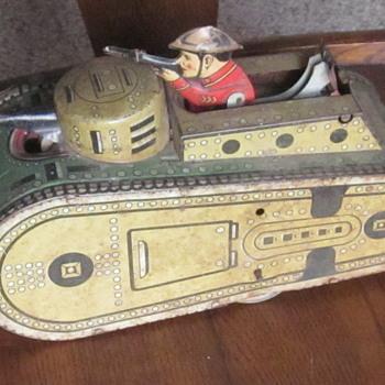 Wind up Older Toy Tin Tank