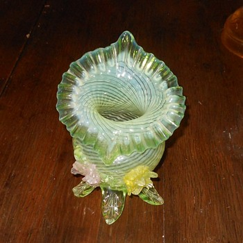 Jack In The Pulpit Vase Vaseline Glass  - Art Glass