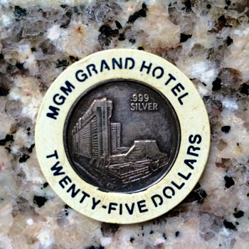 Rare, Possibly Unique White $25 MGM Grand .999 Silver Dean Martin Special Issue Casino Chip - US Coins