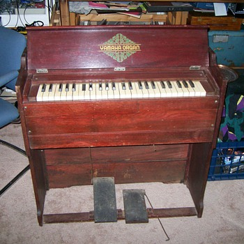 Yamaha Portable Reed Organ - Music