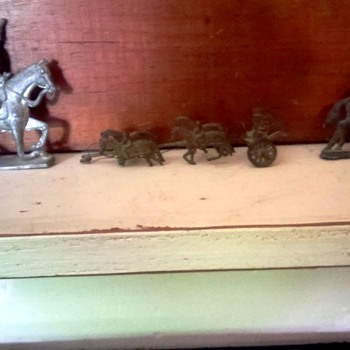 antique lead soldiers