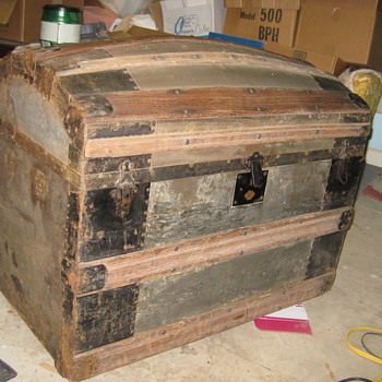 Old trunk needs help  - Furniture