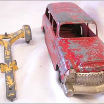 Hubley Cadillac Diecast toy car and trailer - Model Cars