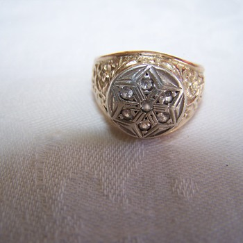 10k Gold Ring with Star and unusual designs - Gold